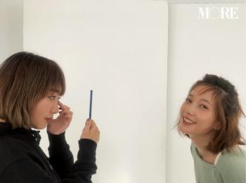 本田翼はコスメ好き♡ ヘア&メイクさんに質問攻めの現場をキャッチ。 【モデルのオフショット】