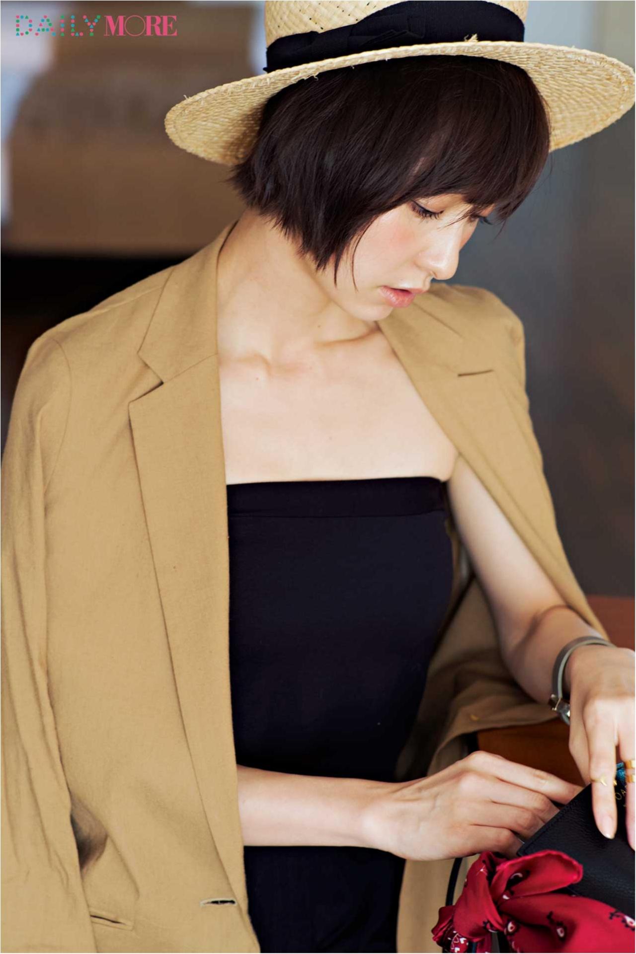 篠田麻里子が魅せる! オトナの「肌見せBLACK」_3