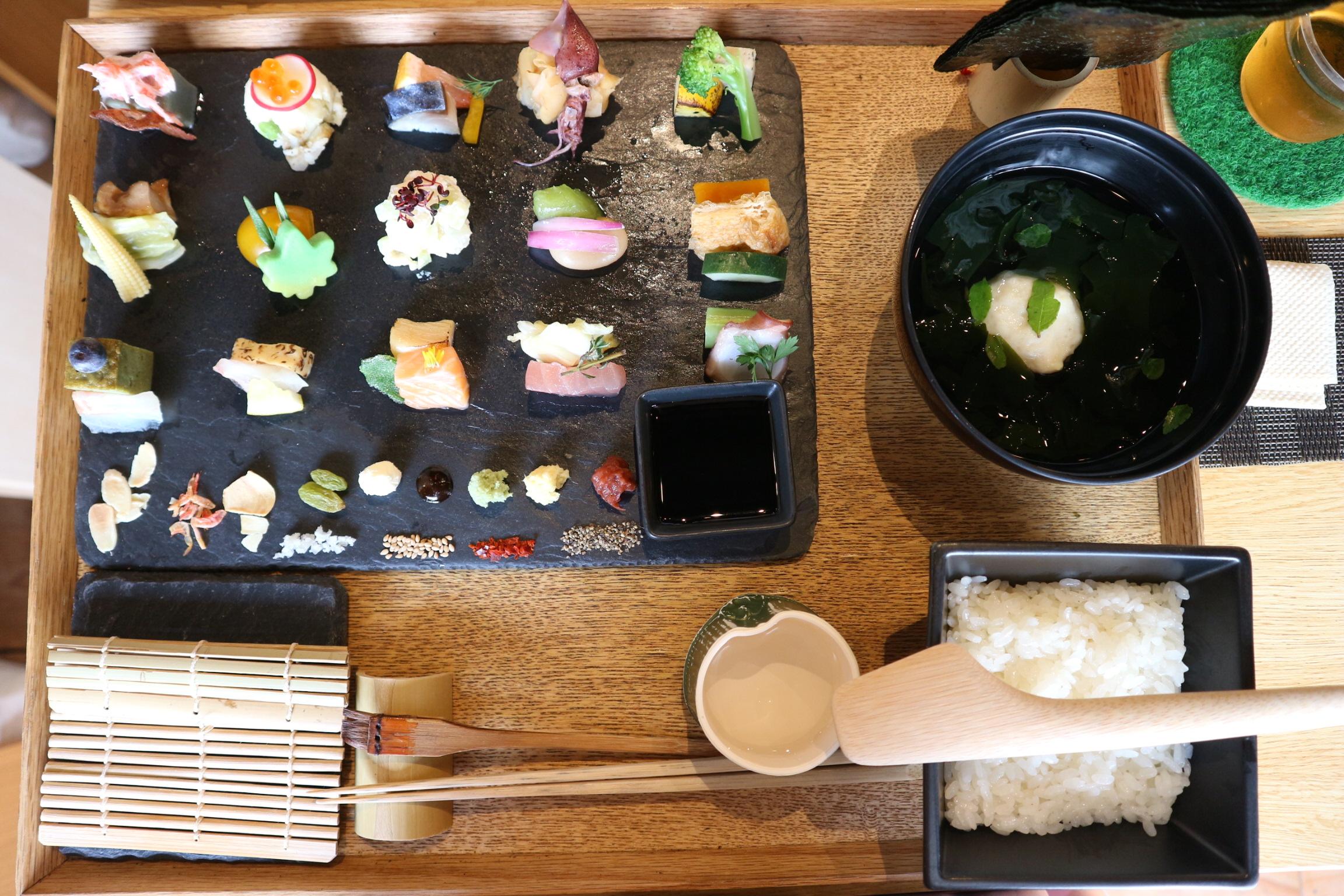 【京都】雑誌やメディアにも取り上げられる人気の手織り寿し店❤︎_4