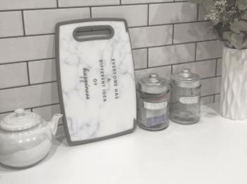 <お洒落な大理石シリーズ>あのプチプラで有名なお店から、キッチン・インテリアグッズが発売!!