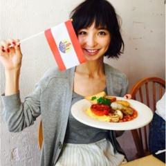 【オフショット】篠田麻里子の優雅な朝ごはん♪