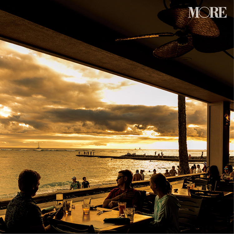 ハワイの絶景サンセット♡ アラモアナ ビーチパークや、ビーチビューのバーなど、夕日が映えるスポット3選!_1