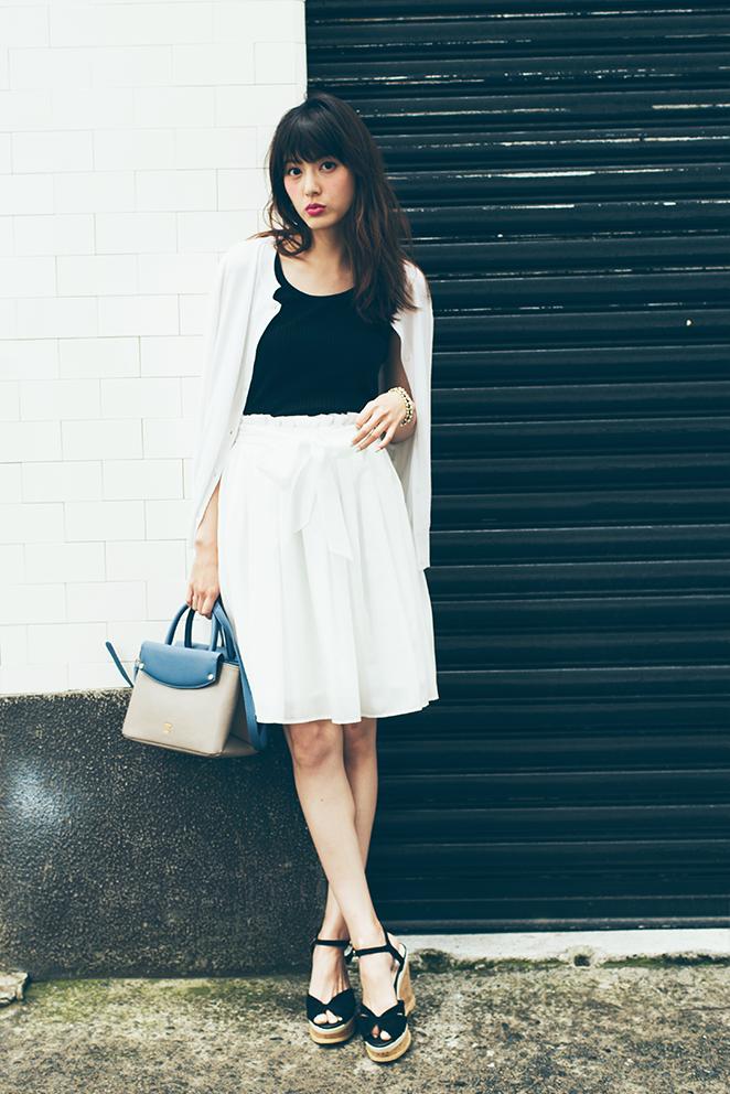 夏の終わりはモノトーンコーデで、逆転勝ち!Part2白スカートで細見え!_2