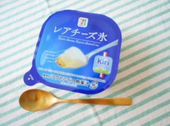 《おいしすぎると話題❤️》【セブン-イレブン】レアチーズ氷を食べてみました☻!