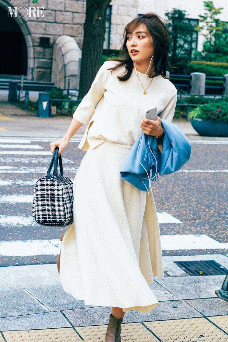 c80fecc9578fc  オフィスカジュアル見本1 レディな白コーデにきれい色ストールやチェック柄ボストンで華やぎON!