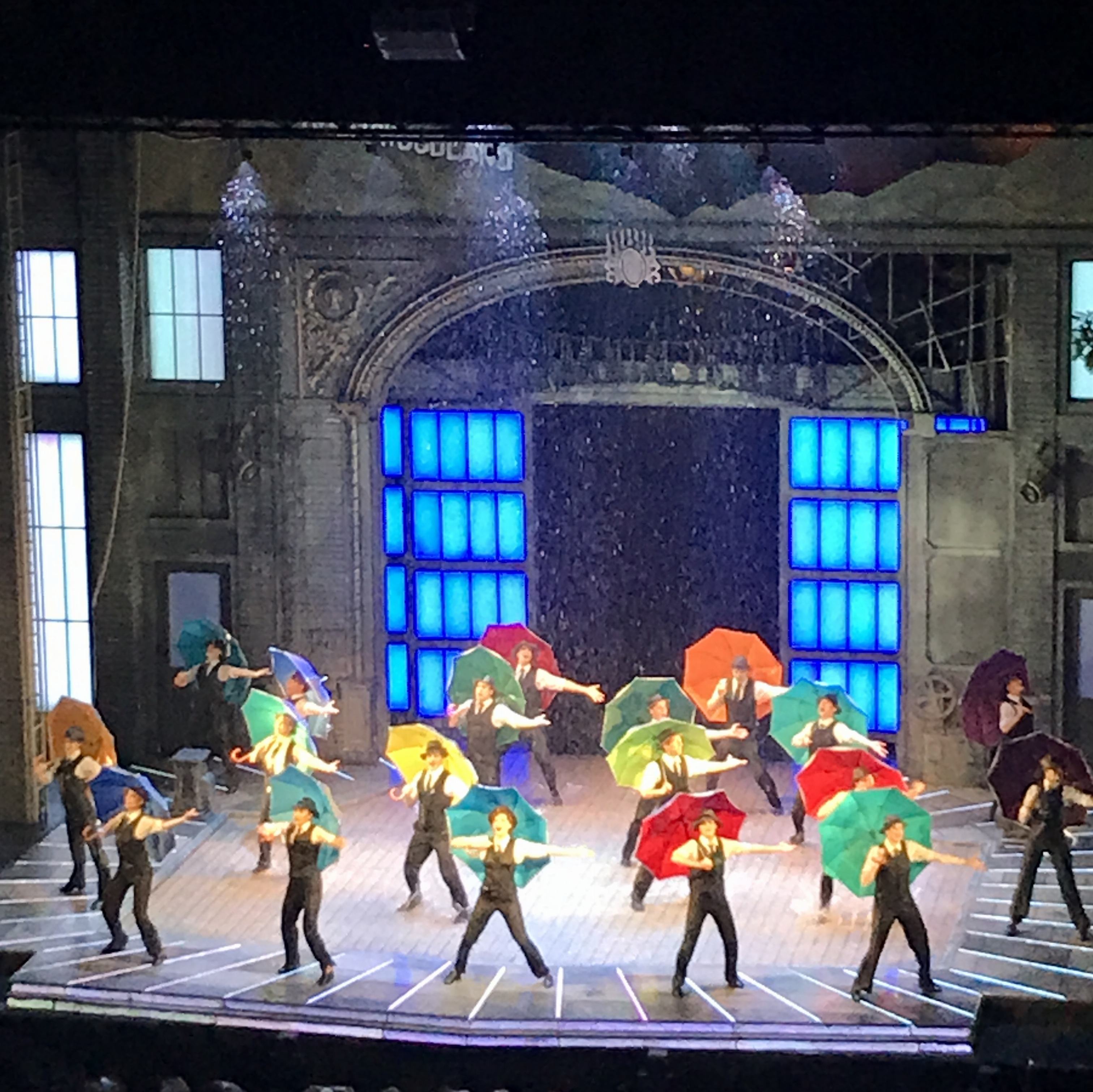 ステージに降る12トンの雨!ミュージカル【SINGIN' IN THE RAIN(雨に唄えば)】を観てきました♡_4