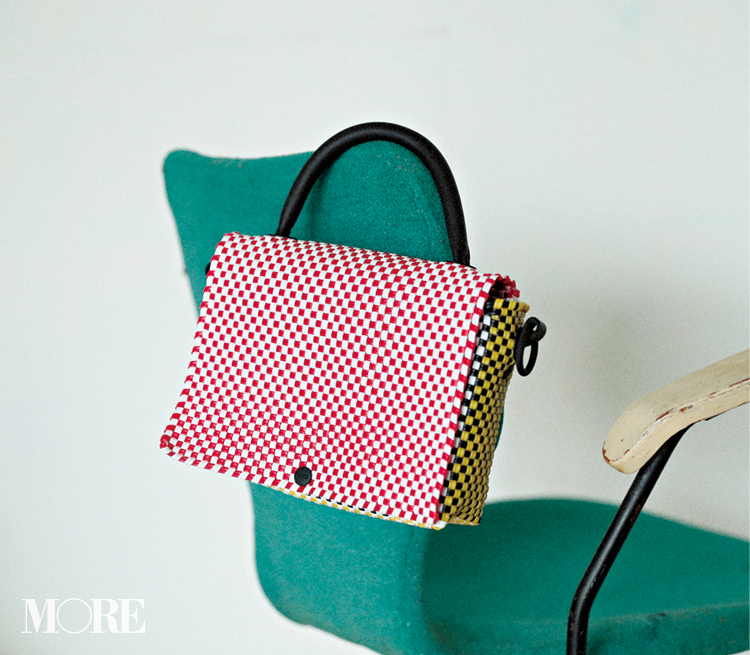 夏のトレンドバッグ特集《2019年版》- PVCバッグやかごバッグなど夏に人気のバッグまとめ_59