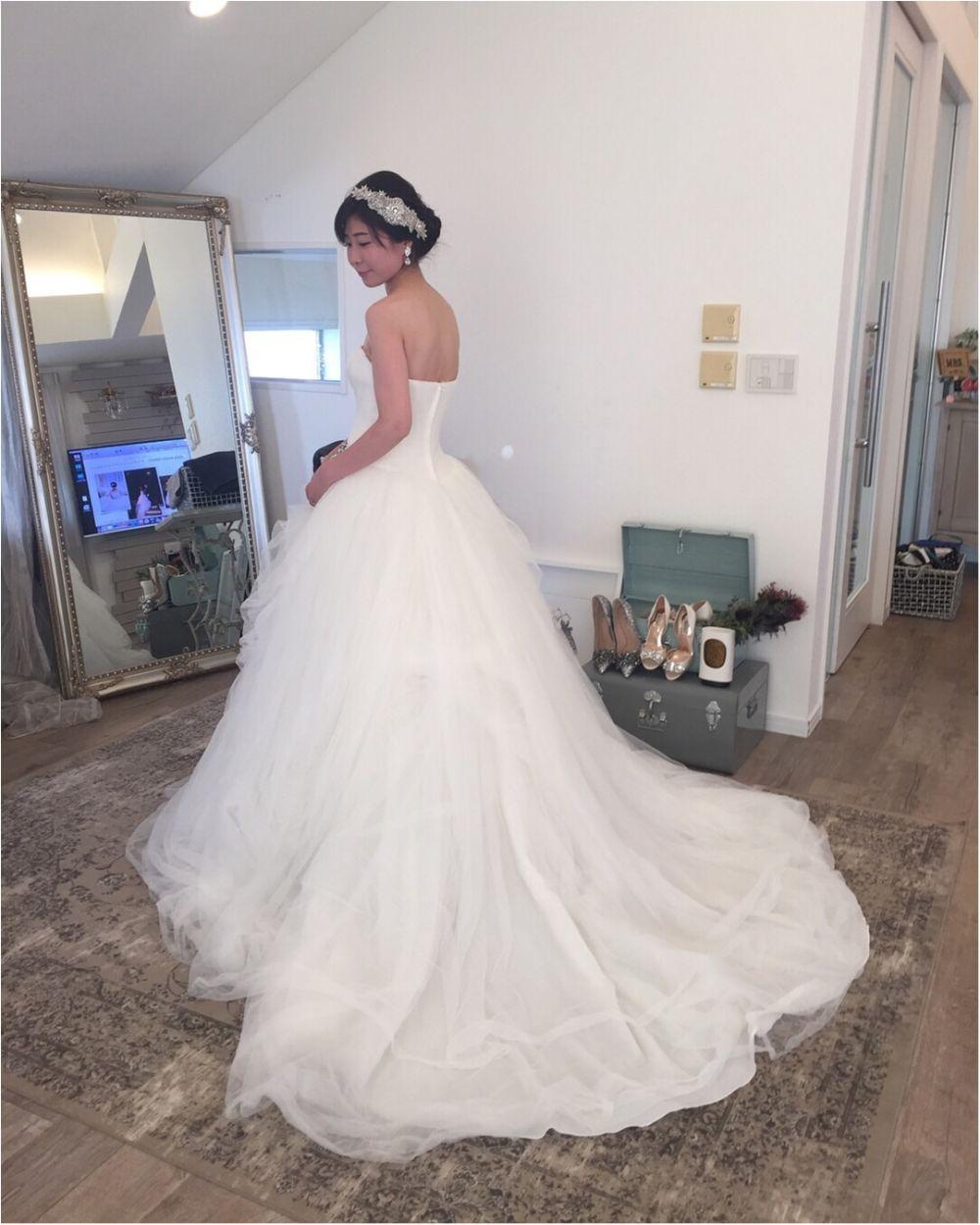 卒花さんに聞く【ドレス特集】-  結婚式・二次会におすすめ! プレ花嫁さんに人気のおしゃれなウェディングドレスは?_26