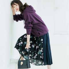 【今日のコーデ/唐田えりか】花柄スカートにメンズのフーディ、女っぽカジュアルの新しいバランスを発見!