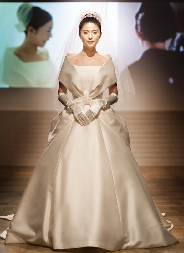 ショーには新婚の藤澤恵麻さんも登場♡ ウェディングドレスブランド『エマリーエ・デザイナーズウエディング』を知っていますか?_1_1