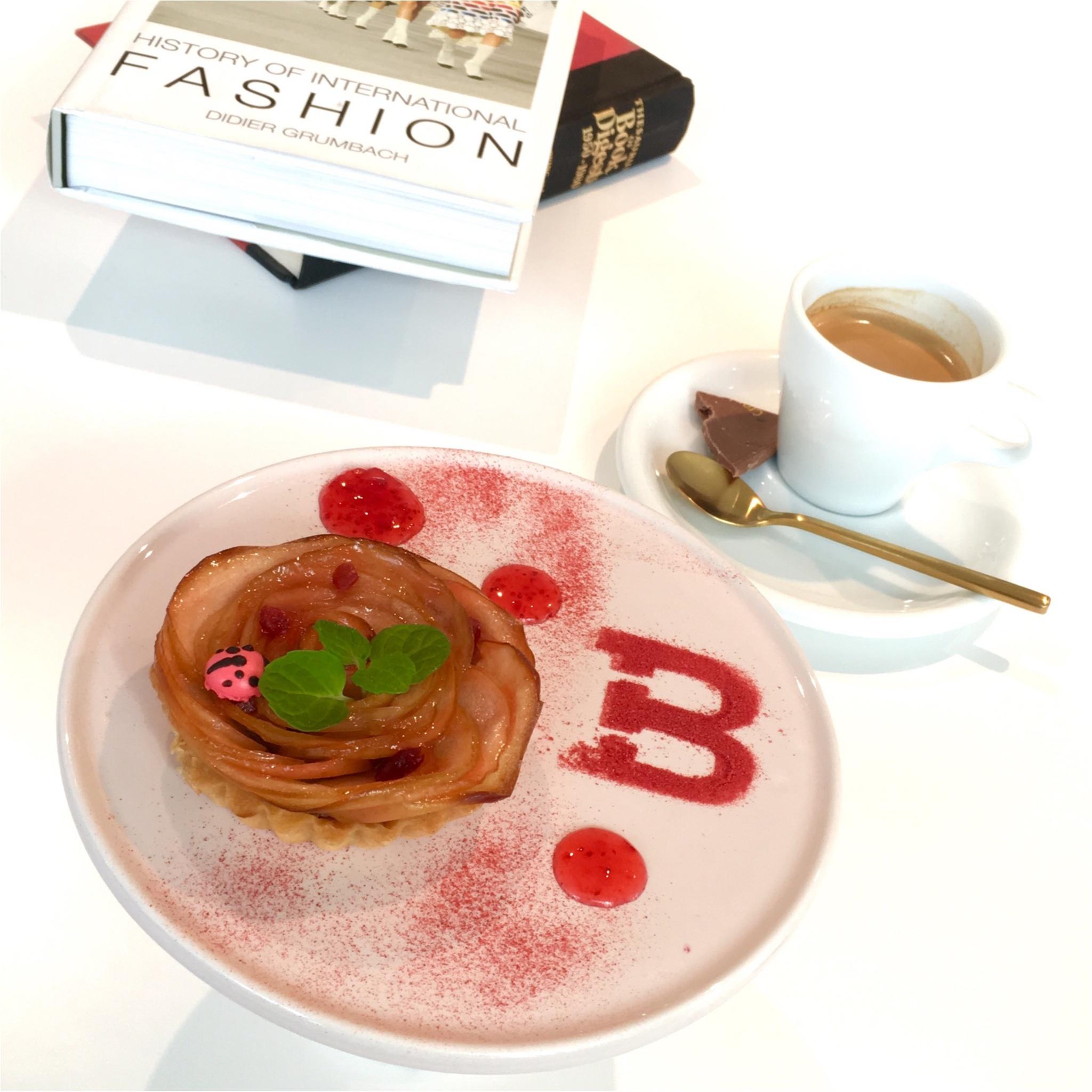 スイスのラグジュアリーブランド「BALLY」の期間限定カフェ♡_1
