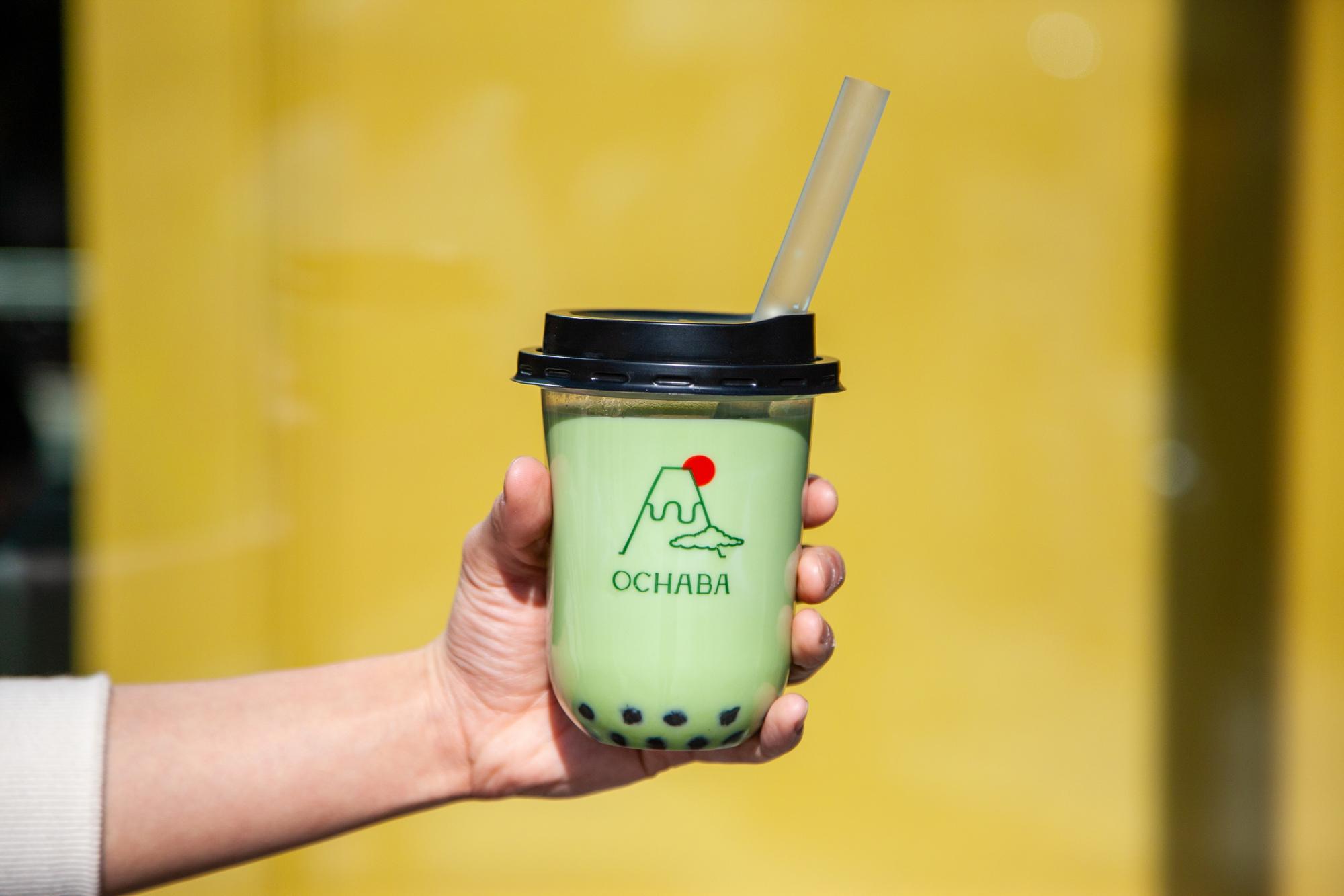 """全ドリンクに""""黒蜜入りわらび餅""""が入ってる♡ 世界唯一の日本茶ミルクティー専門店『OCHABA』が新宿に明日オープン_3"""