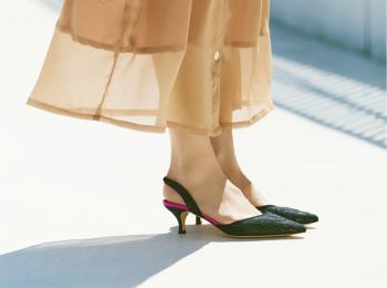 今すぐも夏も使える靴はどれ? 足もとは軽やかに、夏。「マストな4タイプ」はこれだ!