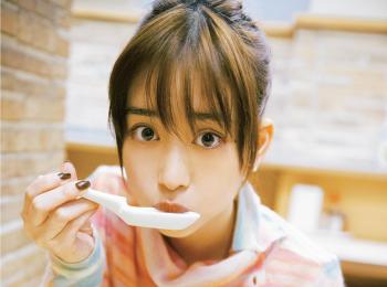 女優・森川葵さんゾッコンの一杯は、食べごたえ満点の『桂花ラーメン』の太肉麺♪