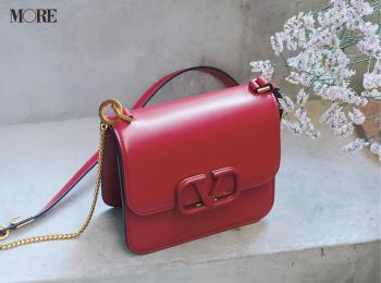 『ヴァレンティノ』、『ロエベ』etc.私たちの「今の気分」を満たしてくれる、旬ブランドの新作バッグ