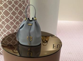 『フルラ』春夏展より。新作バッグとお財布のエレガントさに惹かれて【 #副編Yの展示会レポート 】