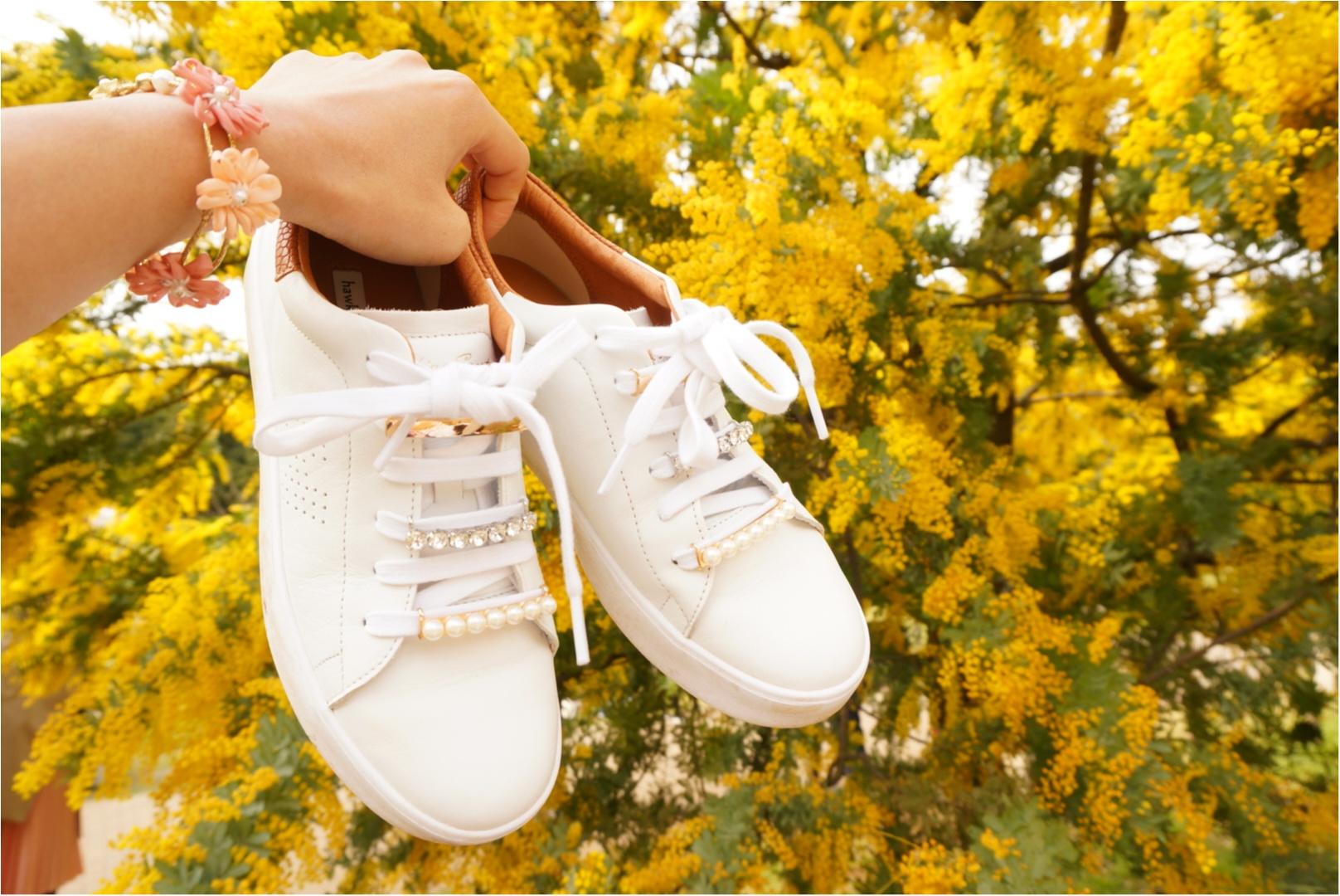《いつもの靴を簡単ドレスアップ♪》春に履きたい白スニーカー!私は『シューピアス』で周りと差をつける‼︎_1