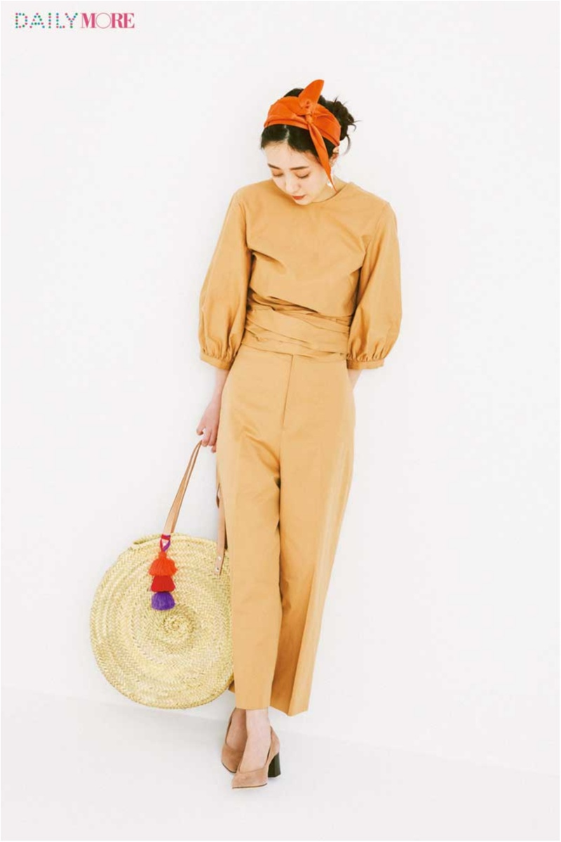 この春の勝ち組配色は「ベージュ×きれい色!」。なかでもいちばんおしゃれに見えるのは、オレンジとパープルだった!_1_2