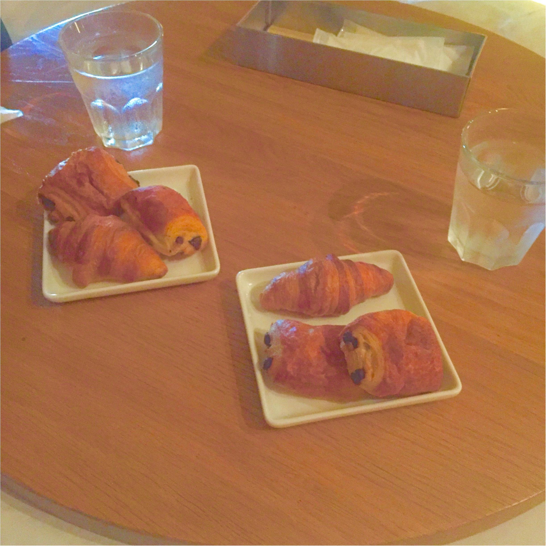 【まったりくつろげるcafe♡】ベットの上で食事??★焼きたてのパンも食べ放題♡♡癒される空間カフェへ行ってきました!!_3