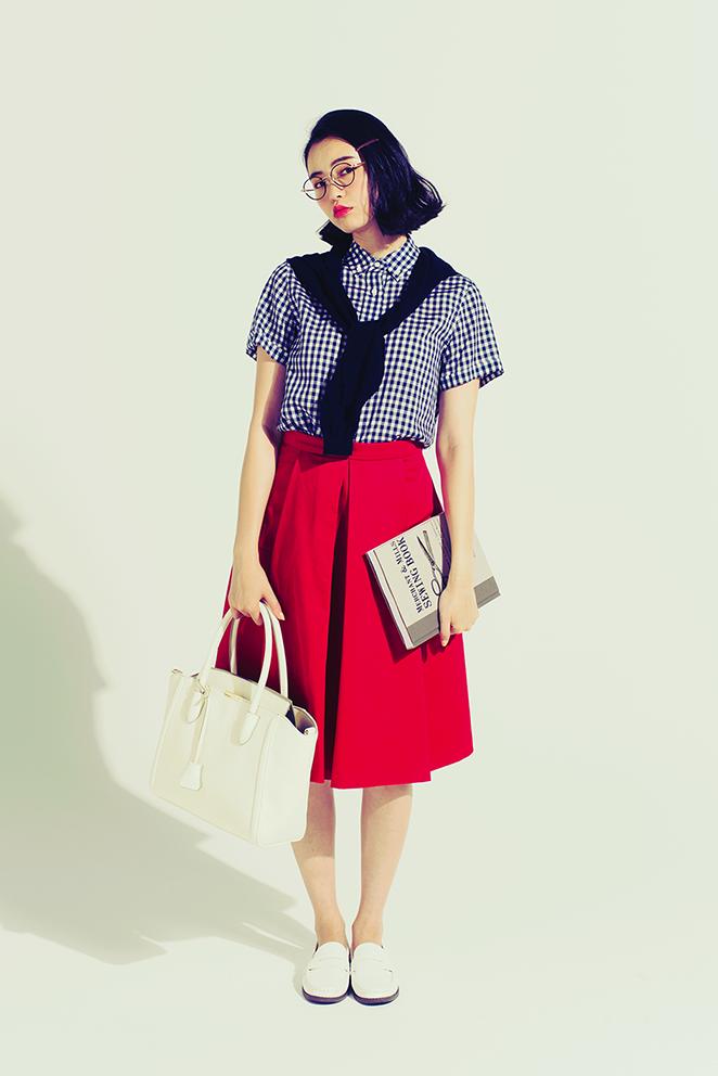 大人っぽさも爽やかさも「スカートにはシャツ」がいい!(1・きれい色フレア×ギンガムシャツ)_2