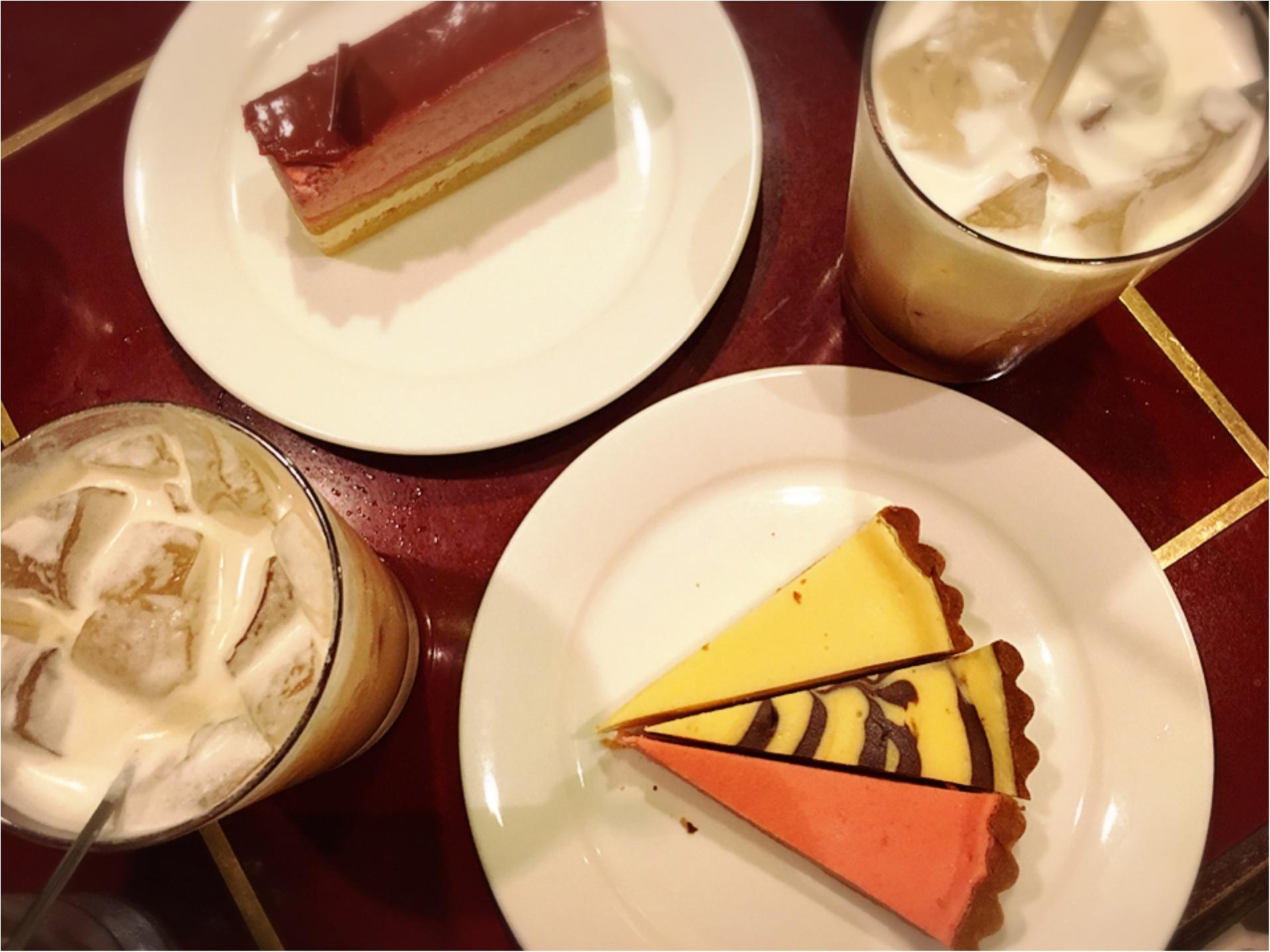 おいしい紅茶専門店でいただく…レインボーカップケーキがフォトジェニック⁉︎_1