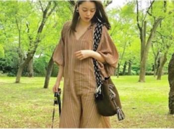 岸本セシルは、ハンドメイドのバッグブランド、『ワユーバッグス』【モデルのオフショット:愛用バッグ編】