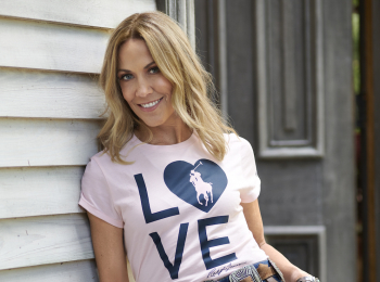 『ラルフ ローレン』のがん対策支援キャンペーン、「Together in Pink」スタート! 今年のTシャツはLOVE♡が目印