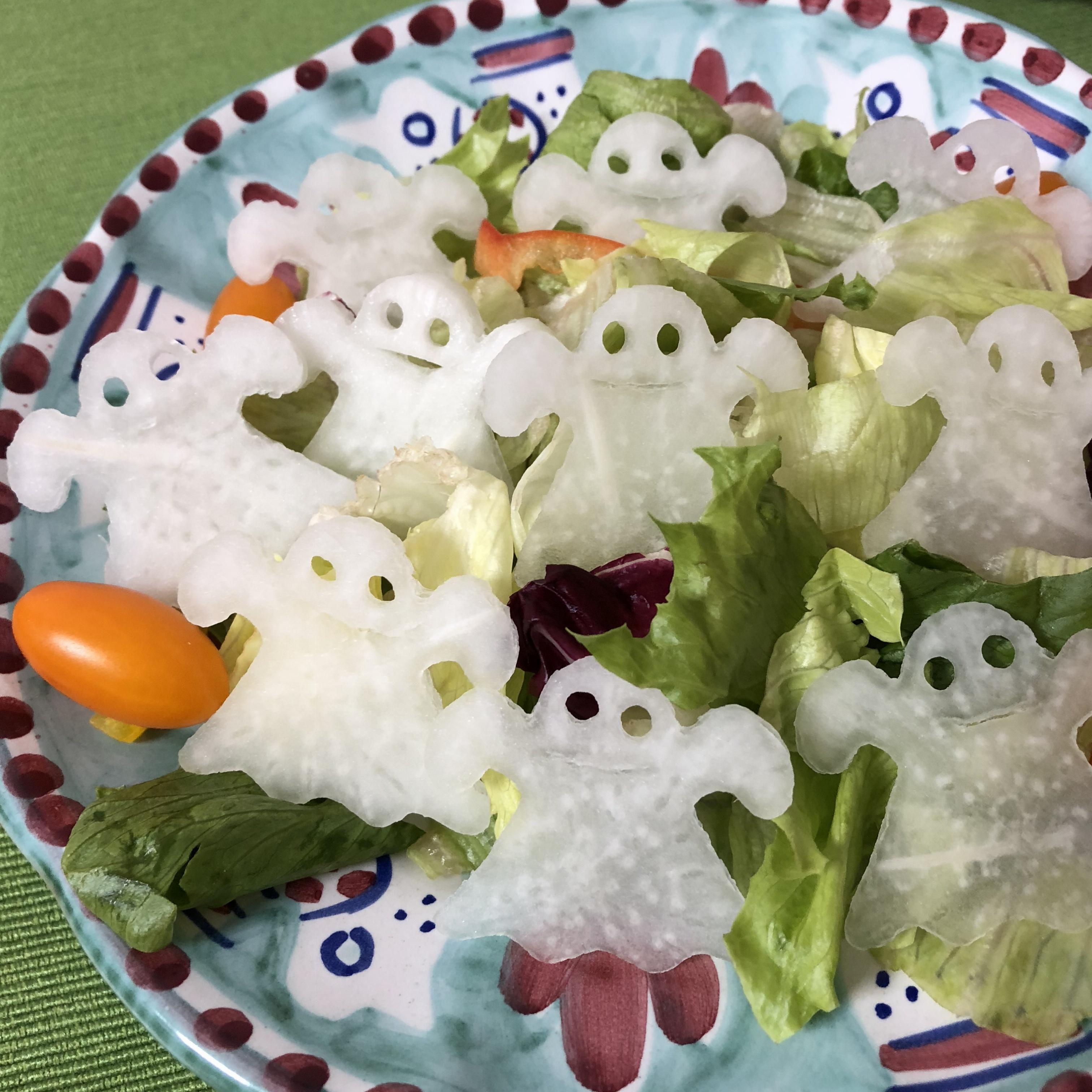 簡単かわいいハロウィンメニュー♡おばけがたくさんサラダ_1