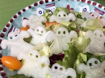 簡単かわいいハロウィンメニュー♡おばけがたくさんサラダ