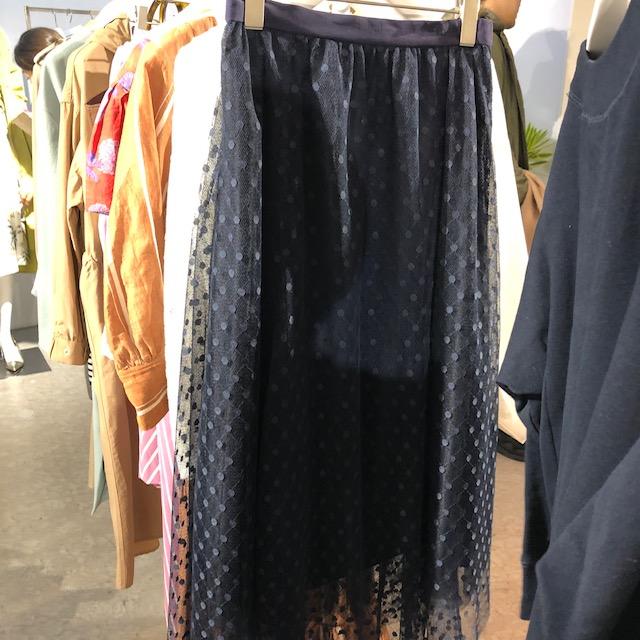 ドット柄のスカートや大人なワンピースも。新ブランド『EMMEL REFINES(エメル リファインズ)』をチェック!【 #副編Yの展示会レポート 】_4