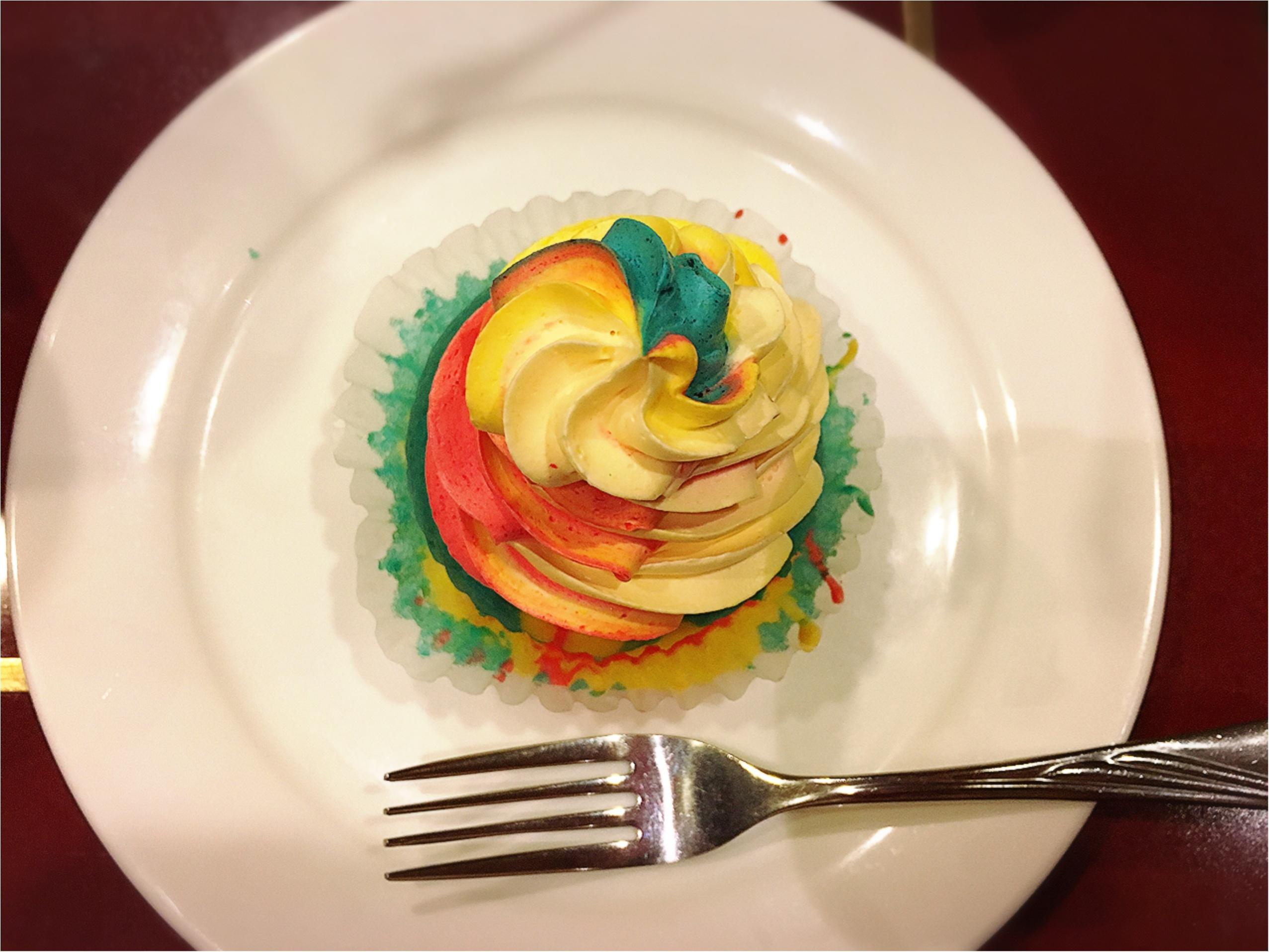 おいしい紅茶専門店でいただく…レインボーカップケーキがフォトジェニック⁉︎_3