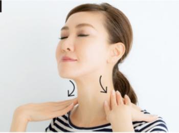 小顔のプロ・貴子先生が教える「25歳からの小顔貯金」エクササイズ♡ 記事Photo Gallery