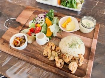 女子に嬉しい♡ 《 nijiiro喫茶 》の野菜たっぷり美味しいヘルシーランチ ♡♡