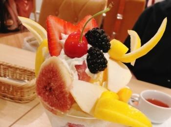 [美味しいフルーツ]果実園リーベル新宿店でパフェ食べてきました![幸せの味]