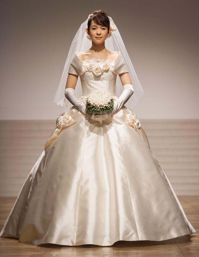 ショーには新婚の藤澤恵麻さんも登場♡ ウェディングドレスブランド『エマリーエ・デザイナーズウエディング』を知っていますか?_1_3