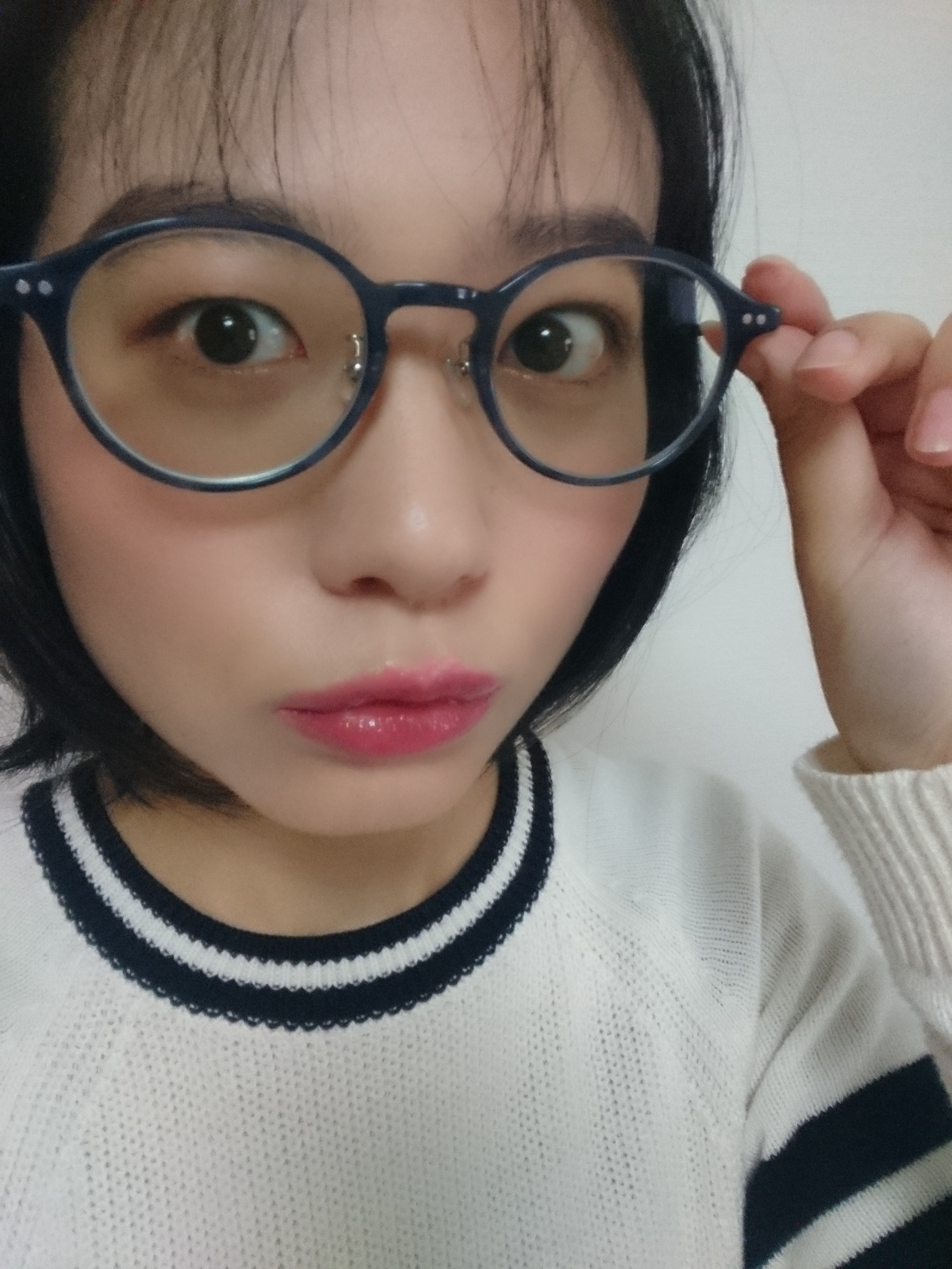 春色ピンクで眼鏡をかける日もメイクを楽しもう!_3