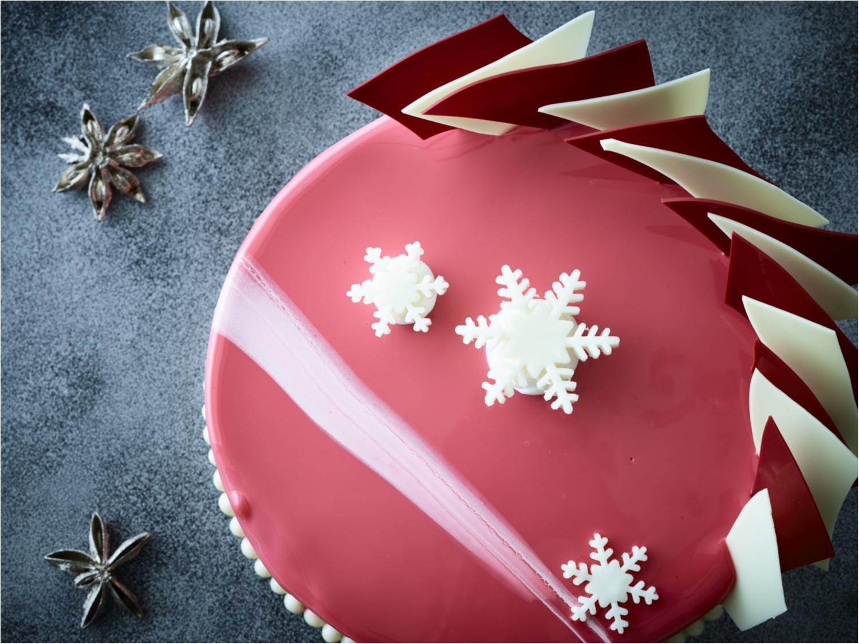 『コンラッド』の東西クリスマスケーキ対決☆ 【赤の東京】VS【モノトーンの大阪】どちらがお好き?_1_2