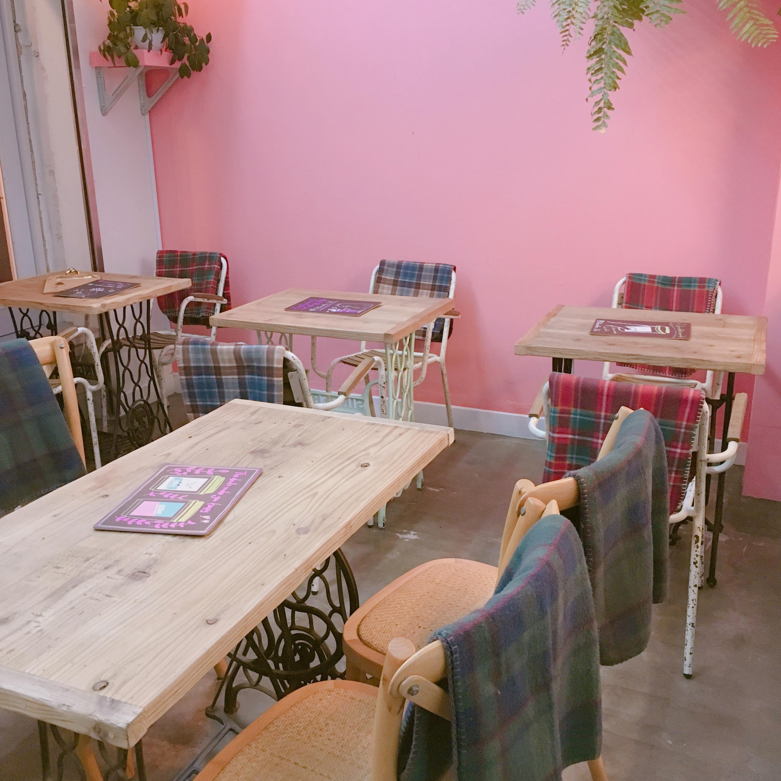 《 私のカフェめぐり♪ 》 SNS映えばっちり◎カラフルクッキーが乗ったソフトクリーム♡♡_2