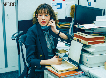 「仕事始めの日から大忙し。社内はジャケット、暑いな……」佐藤栞里主演【冬から春へ。手持ち服9着から始める着回し】5日目