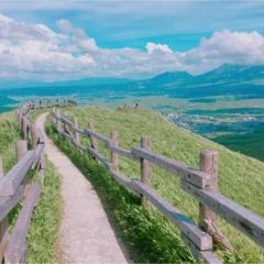 【初動画で紹介!】まるでジブリの世界!晴れた『阿蘇』の絶景を観てください!【#モアチャレ 熊本の魅力発信!】