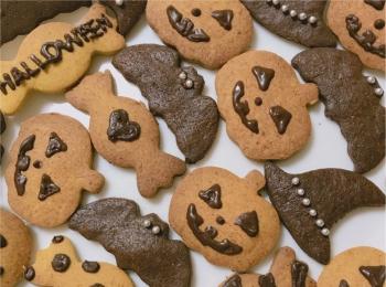 ハロウィンにおすすめ❤︎作るの簡単!【低糖質クッキー】材料も100均で揃っちゃいます♡
