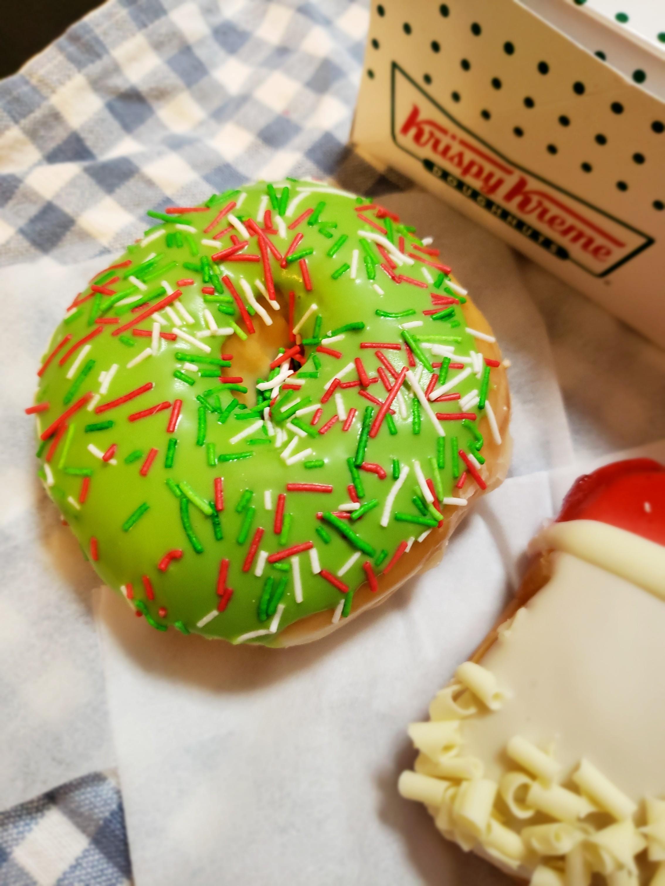 【Krispy Kreme DOUGHNUTS】かわいいドーナツでクリスマス気分♪_2