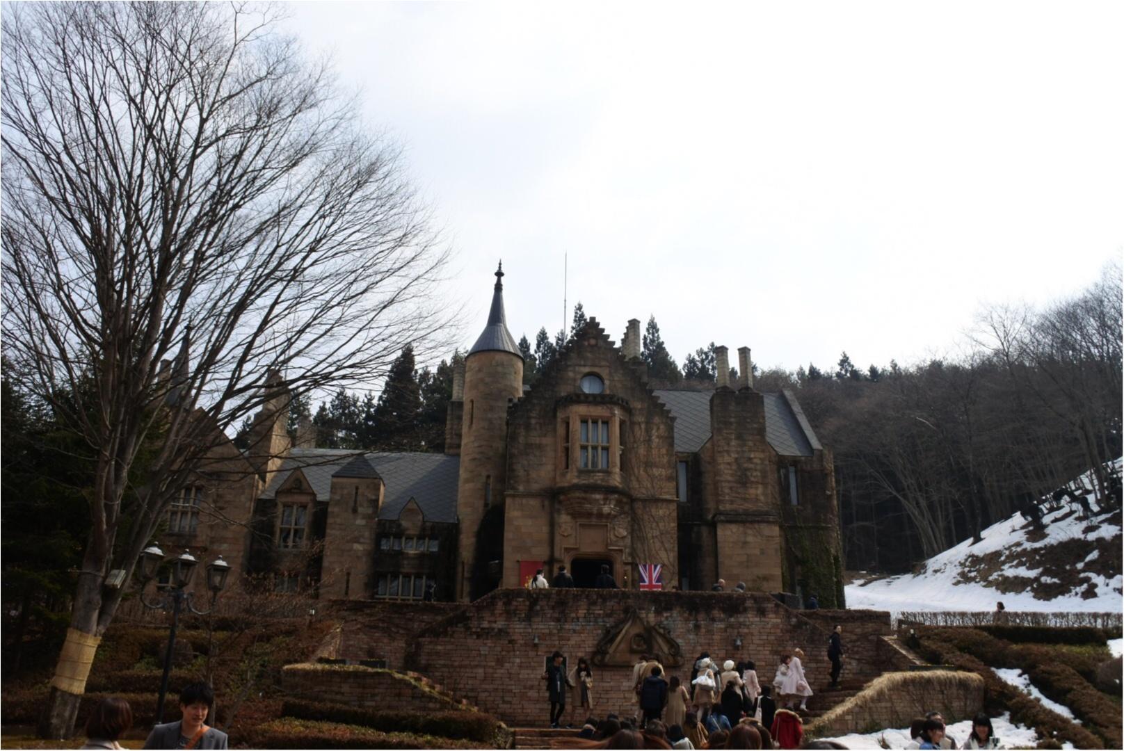 女子旅の新定番新定番「バスツアー」で行くお城でのプリンセス体験と旬のフルーツ狩り_1