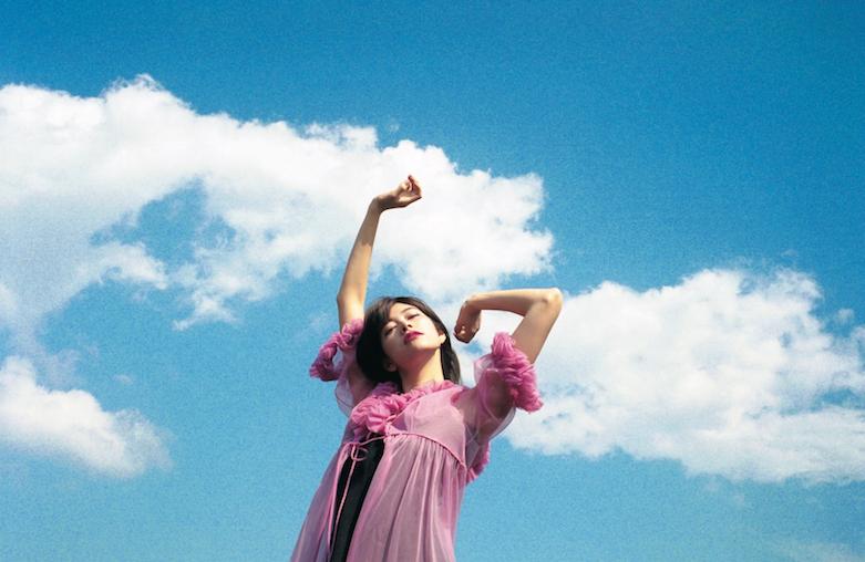 森星さんがヘルシーな美ボディを披露♡ ファースト写真集『HIKARI MORI』発売中!_2