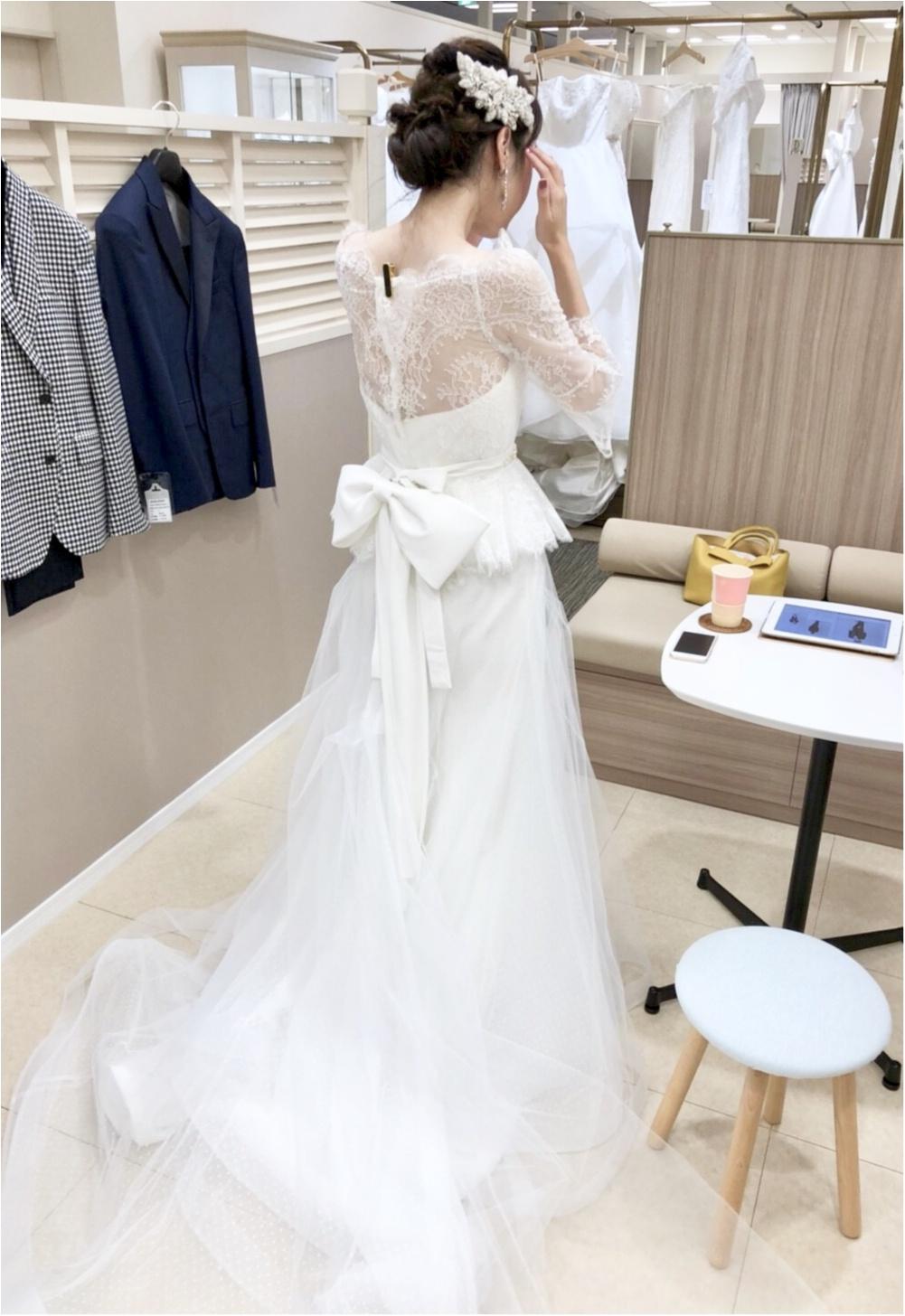 卒花さんに聞く【ドレス特集】-  結婚式・二次会におすすめ! プレ花嫁さんに人気のおしゃれなウェディングドレスは?_47