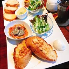 ふんわりと柔らかいフレンチトーストが絶品♡ユニークな外観が特徴の【Cafe ZIKKA】で姉妹会♡