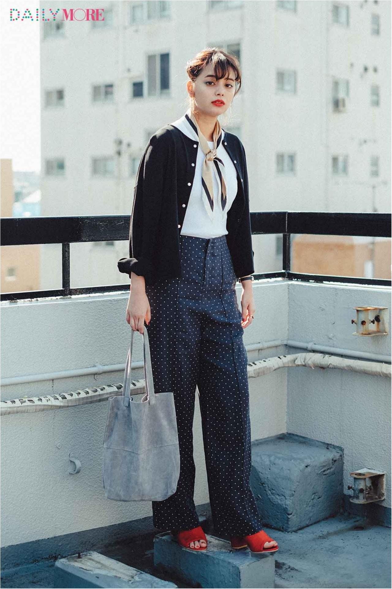 【今日のコーデ/岸本セシル】今年の白Tどう着る?スカーフやカーデでフレンチムードに仕上げちゃう♡_1