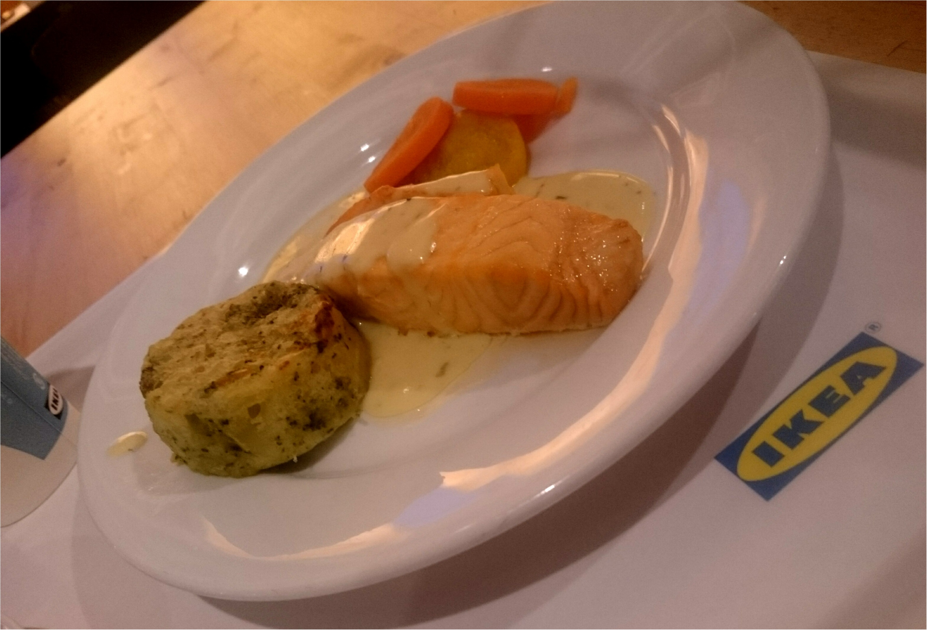 IKEAレストランのサーモンフェア。本当に食べる価値ありなのは定番の◯◯!_3