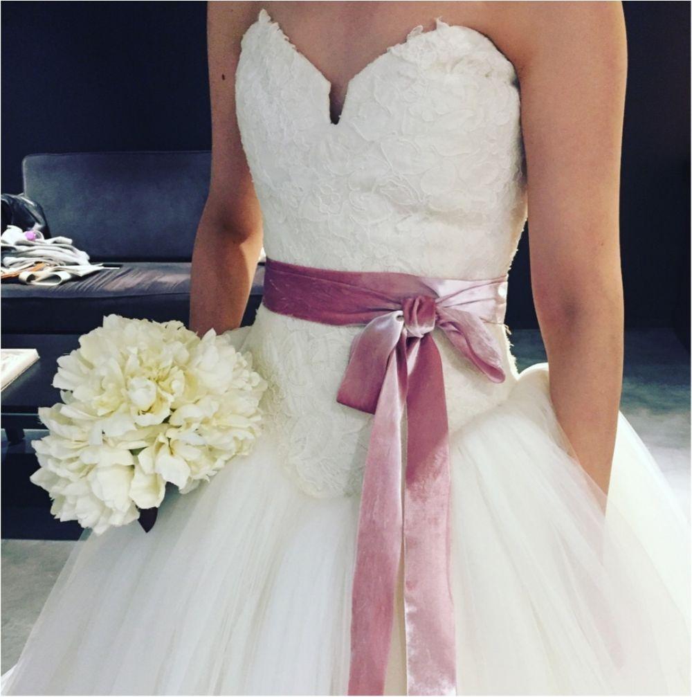 卒花さんに聞く【ドレス特集】-  結婚式・二次会におすすめ! プレ花嫁さんに人気のおしゃれなウェディングドレスは?_23