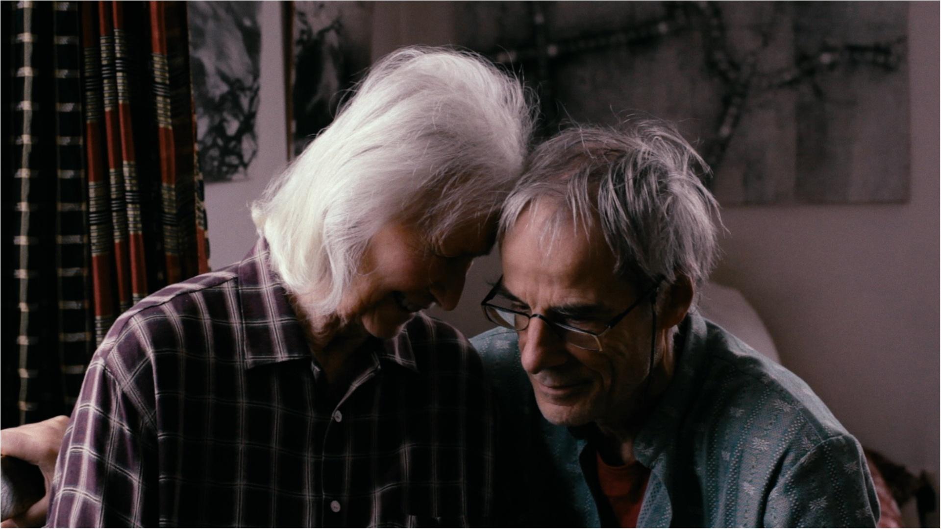 認知症になって初めて愛を獲得した、キャリアウーマンのドキュメンタリー『わすれな草』_1
